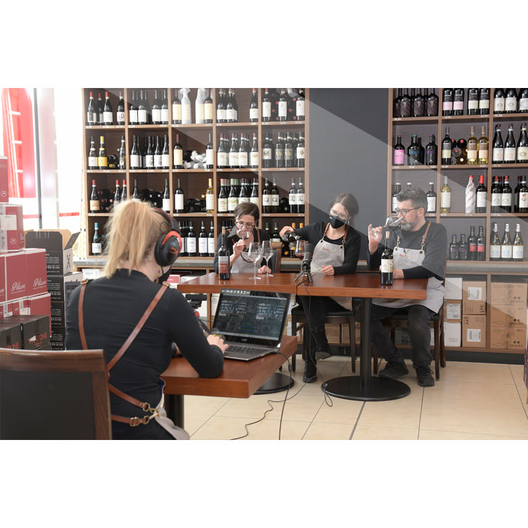 7. Mai Online-Live-Tasting GROSSE WEINE Italiens für 2-4 Personen